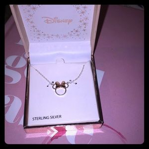 "NWT Disney 16"" Minnie Mouse silhouette necklace"